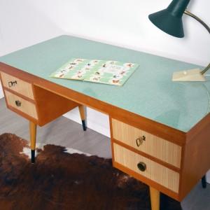 Bureau vintage 8