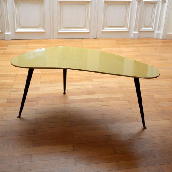 Table basse boomerang – tripode vintage