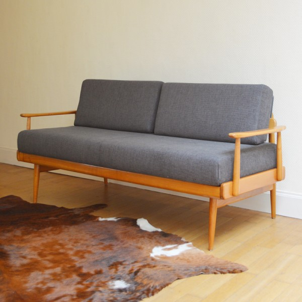 sofa daybed scandinave vintage. Black Bedroom Furniture Sets. Home Design Ideas