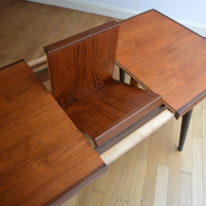 Table scandinave de Louis Van Teeffelen 15