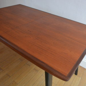 Table scandinave de Louis Van Teeffelen 31
