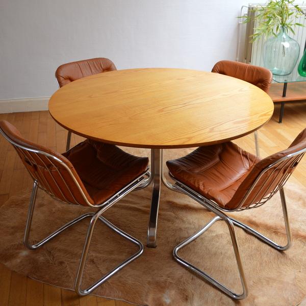 Table à repas ronde années 70