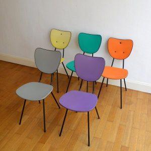 5 chaises colorés années 50 vintage 2