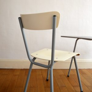 1 table tripode et 2 chaises enfant vintage 12