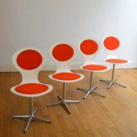 Suite de quatre chaises design Benze vintage