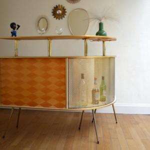 bar vintage 45
