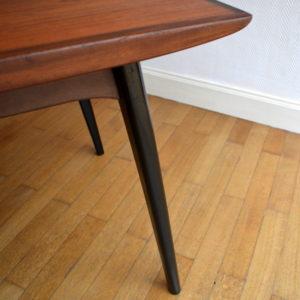 Table scandinave de Louis Van Teeffelen 7