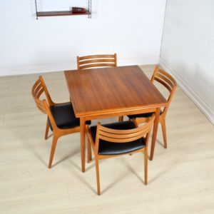 table-a-manger-scandinave-1