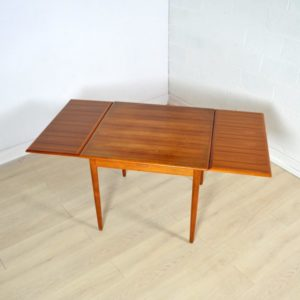 table-a-manger-scandinave-17