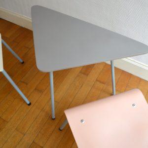 1 table tripode et 2 chaises enfant vintage 16