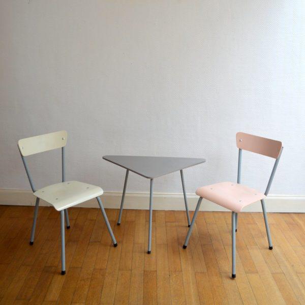 Table tripode et chaises 1950s