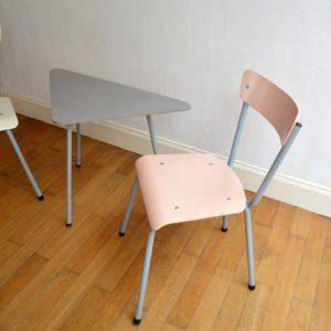 1 table tripode et 2 chaises enfant vintage 6