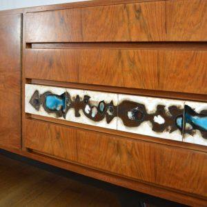 Enfilade années 60 ronce de noyer – céramique vintage 49