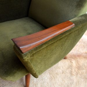 Paire de fauteuils années 50 kaki vintage 46