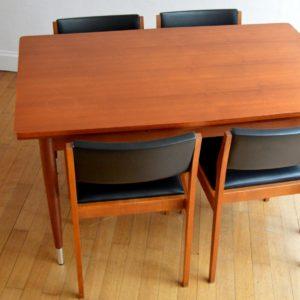 Table à manger et 4 chaises 1960 vintage 5