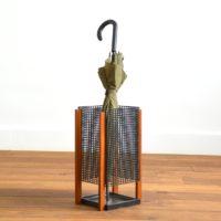 Porte parapluie métal perforé et teck 1950 vintage Mategot 12
