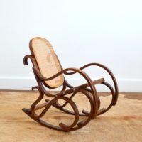 Rocking Chair Enfant Thonet bois et cannage vintage 4