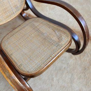 Rocking Chair Enfant Thonet bois et cannage vintage 9
