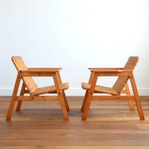 Paire de fauteuils scandinave bois et paille 1970s vintage 28