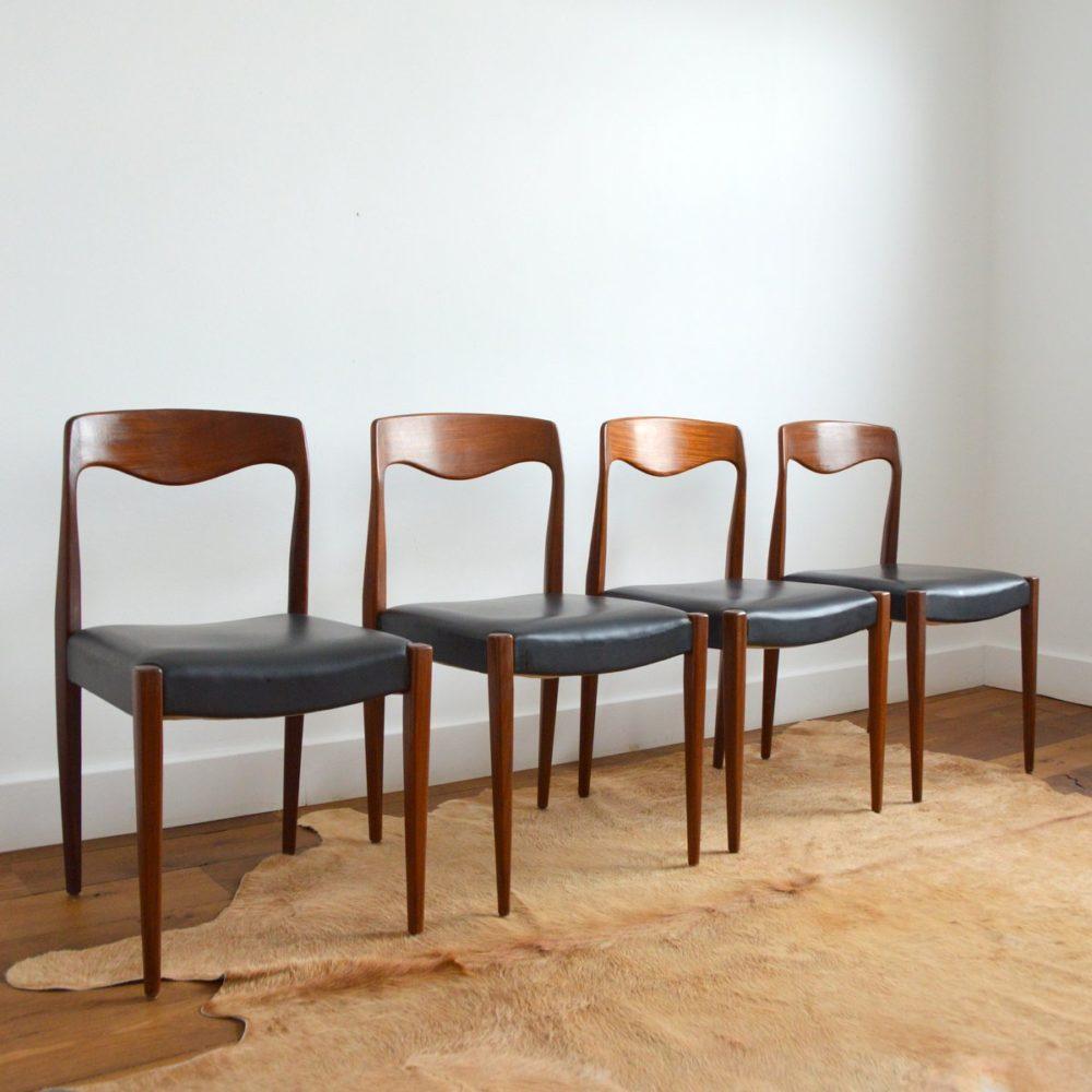 Suite de 4 chaises à manger Niels O. Møller 1950s